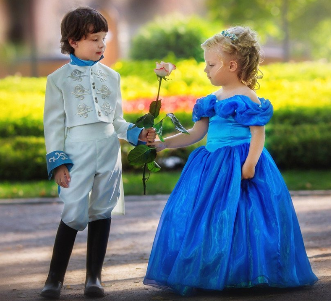 """Dress-up"" Not Just for Kids: 5 Benefits to Play Dress-up"